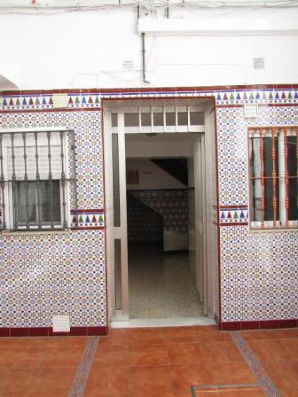 Piso en sevilla zona viviendas de embargo for Pisos vacacionales sevilla