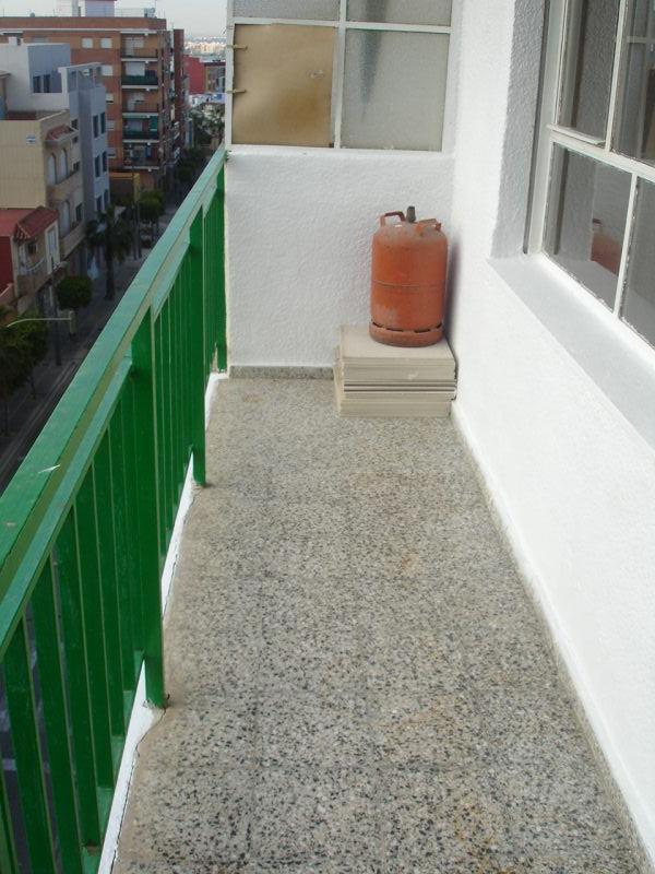 piso en campamento paterna zona viviendas de embargo