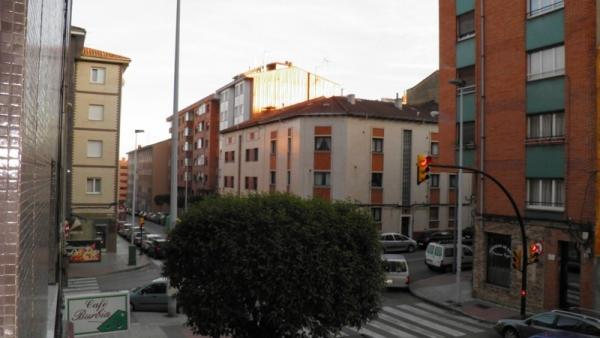 Piso en gij n zona viviendas de embargo for Pisos de ocasion en gijon