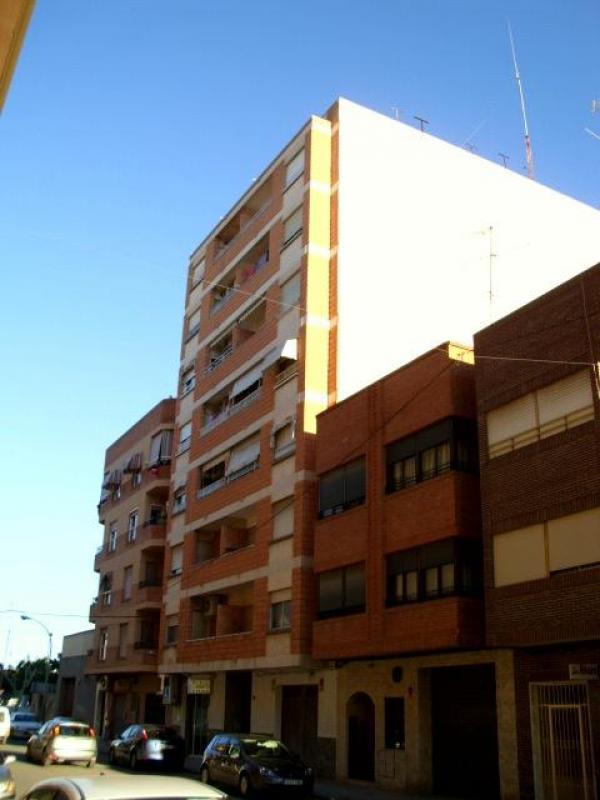 piso en albatera zona viviendas de embargo