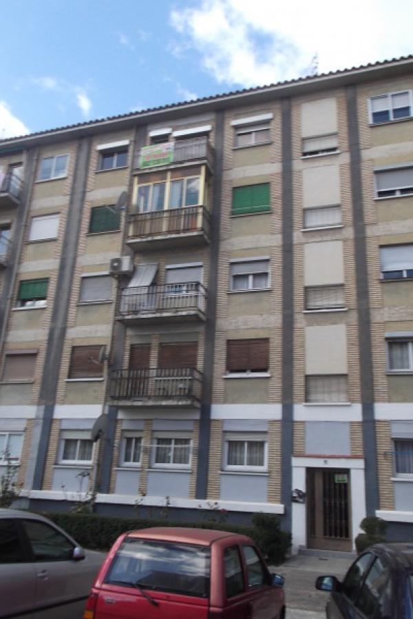 Pisos embargo zaragoza foto de piso en se necesitan pisos for Pisos delicias zaragoza